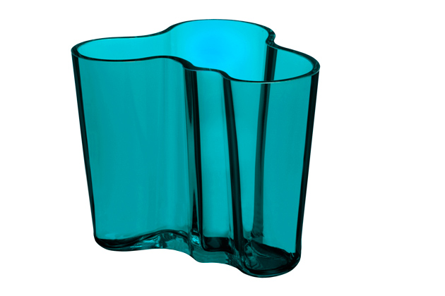 The Narrative Of A Design Icon 77 Year Old Aalto Vase Designagenda