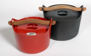 Cast iron casserole_wooden handle_Timo Sarpaneva_Iittala