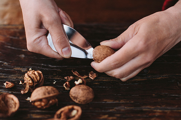 The Krtz! walnut-cleaning knife is an innovative solution by Tea Jankovic that simplifies the procedure of opening up a walnut. Photo: D. Kunic.