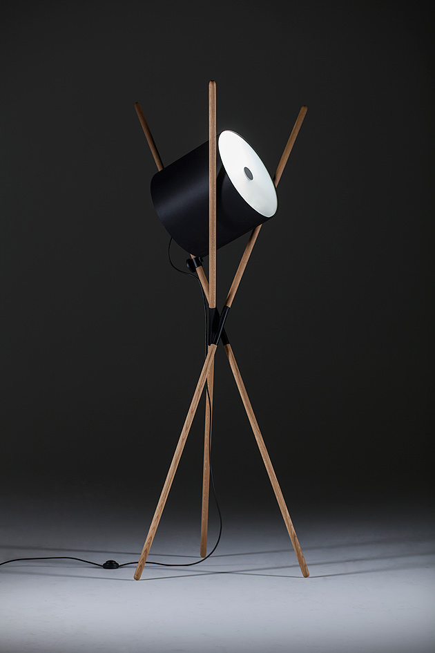 Floor lamp Shift (Artisan). Its structure is ascetic, devoid of all extraneous elements. Design: Novak-Mikulic and Ruzic + School of Design Zagreb. Photo: D. Kunic.