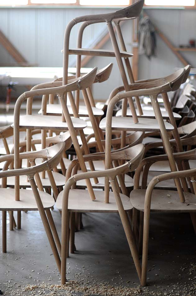 Neva chair in the production process (Artisan). Photo: Marija Ruzic.